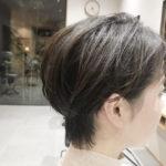 女性ショートヘア